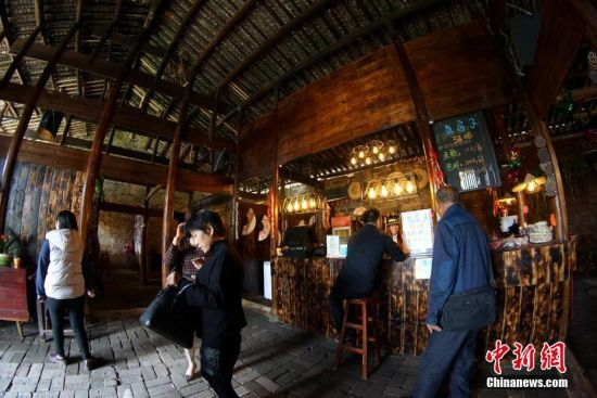 江西余干乡村酒吧 老房子里演绎出新生活