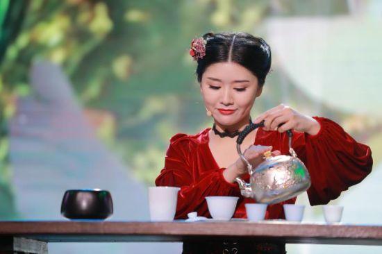 """婺源女孩夺得全国首届""""最美茶艺师""""大赛季军"""