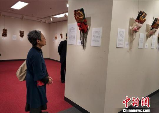 图为现场的南丰傩舞面具展示。 平懿 摄