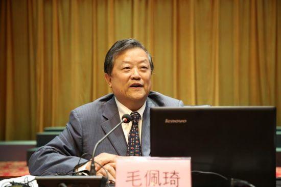 中国人民大学历史学院教授毛佩琦在靖安县影剧院讲座