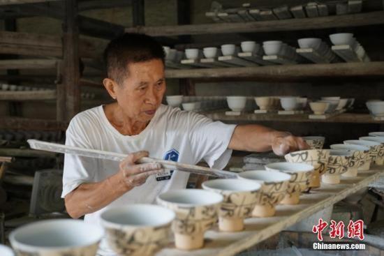 """世界陶瓷产业的""""珠峰"""":一个多维的景德镇"""
