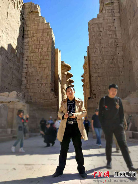 詹明荣在埃克索神庙