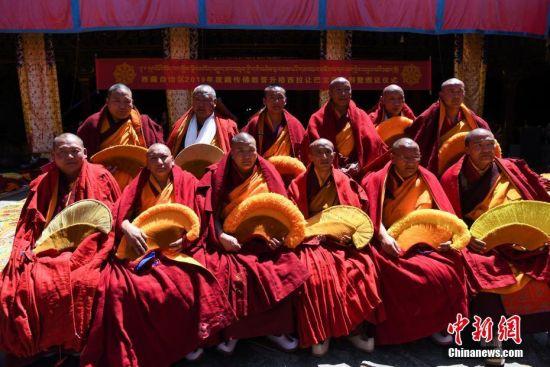 12名僧人获得��格西拉让巴��藏传佛教最高学位