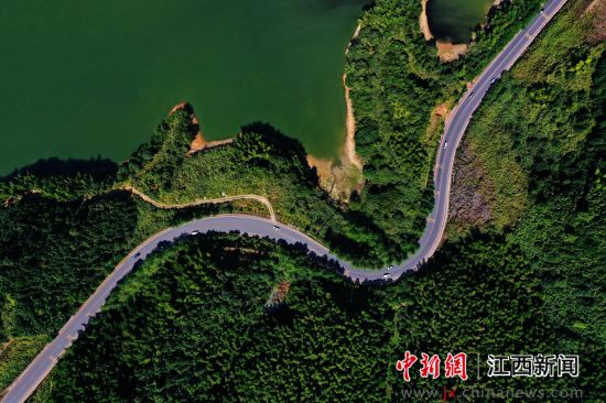 江西萍乡:美丽公路串起美好生活