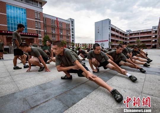 江西新干百余名預定新兵接受役前教育訓練