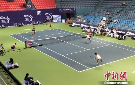 江西网球公开赛正赛开拍 中国女双爆冷淘汰1号种子