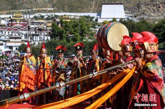 西藏藏傳佛教界舉行活動祈愿中國繁榮昌盛