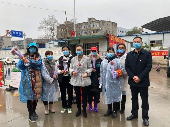 """南昌青山湖区:巾帼战""""疫"""" 不一样的三八妇"""