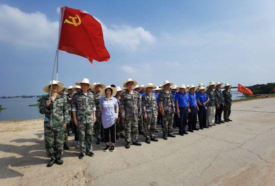 南昌上海路街道开展抗洪援助行动