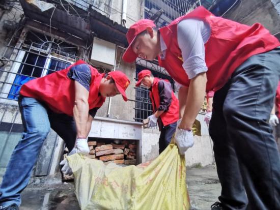 上饶市烟草:践行社会责任 助力文明城市创建