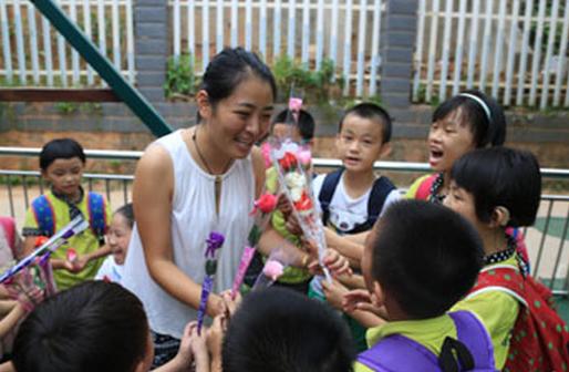 她為听障(zhang)兒(er)童(tong)上學奔走10年(nian)