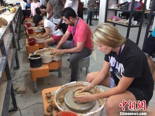 30余国留学生瓷都景德镇体验陶瓷文化