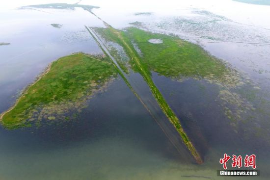 俯瞰中国最大淡水湖鄱阳湖 水位上涨烟波浩渺