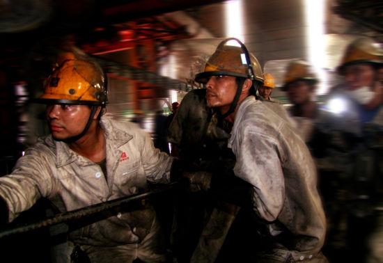 新钢公司第一炼铁厂9号高炉工长班冲