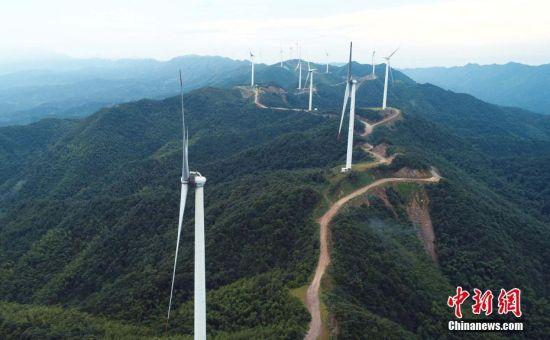 航拍注册送白菜网泰和高山风电项目