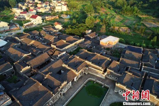 航拍注册送白菜网九江千年古村 23栋古建筑鳞次栉比