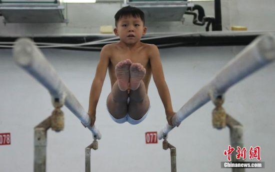 注册送白菜网体操儿童的夏天 为梦想而拼搏