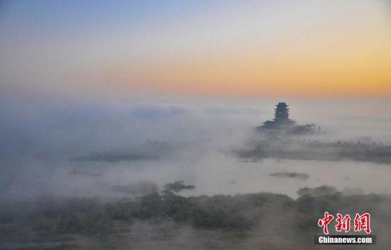 """龙8国际娱乐手机登录多地现""""平流雾""""景观 城市宛若仙境"""