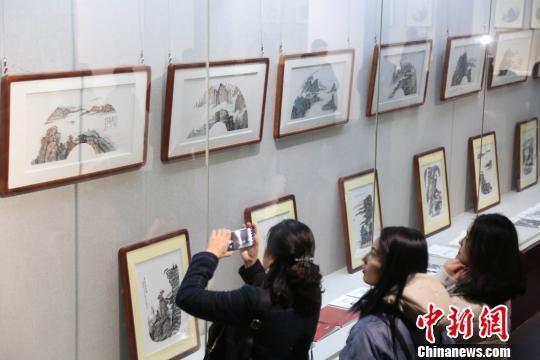 画家汪天行百幅扇面山水题材作品龙8国际娱乐网址展出义卖