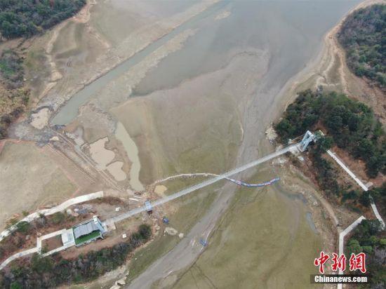 江(jiang)西江(jiang)河湖(hu)水位(wei)仍偏低 部分城鎮供水緊張