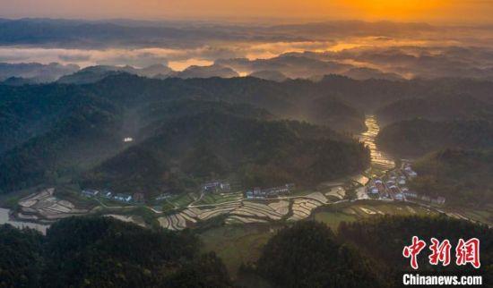 江西仙女湖:生态小镇入画来