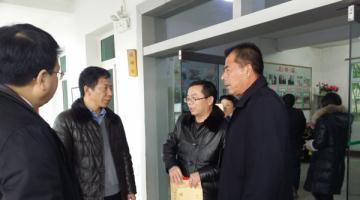 罗小云代表省委省政府走访慰问青原区困难群众