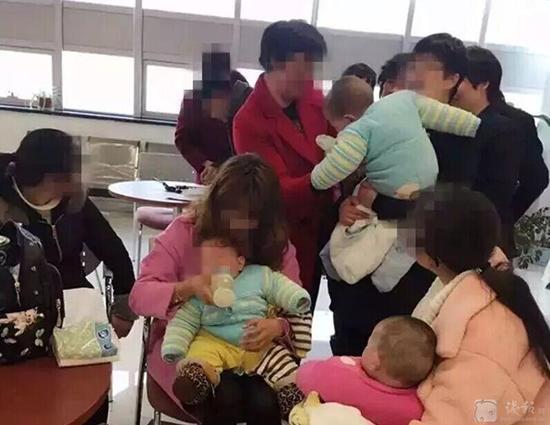 女大学生生下三胞胎 男朋友不是孩子生父(图)